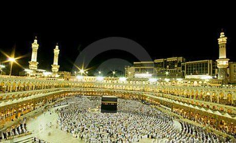 bantahan-untuk-kaum-kafir-atas-tuduhan-orang-islam-menyembah-batu-ka'bah
