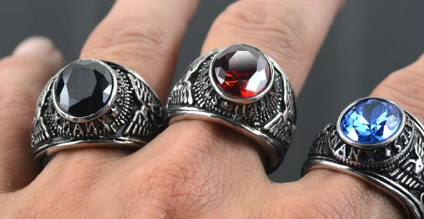 cincin di jari telunjuk
